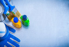 Copi l'immagine dello spazio delle spazzole di bottiglie delle latte della pittura Immagine Stock