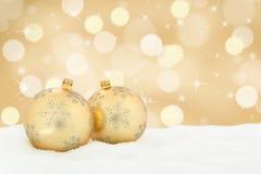 Copia de oro del copyspace de la decoración del fondo de las bolas de la tarjeta de Navidad Fotografía de archivo