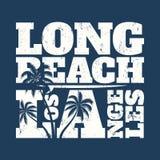 Copie de pièce en t de Long Beach avec la planche de surf et les paumes Photos libres de droits