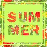 Copie de T-shirt avec le lettrage d'été avec les fleurs tropicales Image stock