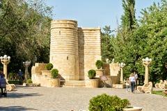 Copie du monument de la tour de la jeune fille installé à Bakou Photos libres de droits