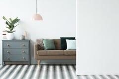 Copie el espacio en sala de estar imagenes de archivo