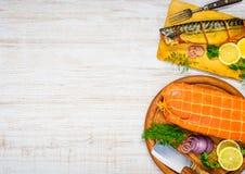 Copie el área de espacio con la caballa y Salmon Meat Foto de archivo libre de regalías
