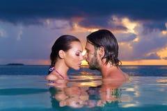 Copile chez les Maldives Photo stock