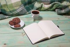 Copo com chá ou café quente Imagens de Stock
