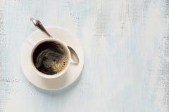 Copo da porcelana do café preto foto de stock royalty free
