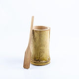 Copo de bambu com colher de bambu Fotos de Stock Royalty Free