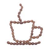 Copo de café alinhado com feijões de café Foto de Stock Royalty Free