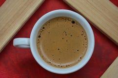 Copo de café branco da porcelana fotografia de stock royalty free