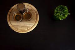 Copo de café com árvore decorativa imagens de stock royalty free