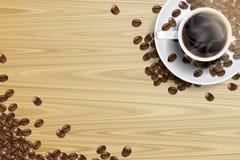 Copo de café e feijão de café na tabela de madeira Foto de Stock
