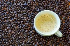 Copo de café e feijões de café Fotos de Stock