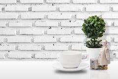 Copo de café na tabela Imagem de Stock