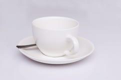 Copo de café no foco macio do fundo branco Foto de Stock