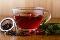 Copo de chá com briar Fotografia de Stock Royalty Free