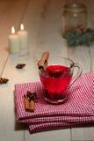 Copo de chá com canela Fotos de Stock