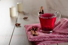 Copo de chá com canela Imagem de Stock