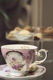 Copo de chá cor-de-rosa antigo Fotografia de Stock Royalty Free