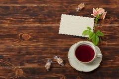 Copo de chá e placa do osso China fino Imagens de Stock