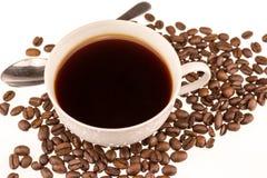 Copo de Coffe com feijões do coffe Imagens de Stock Royalty Free