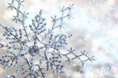 Copo de nieve azul de plata 1 Imágenes de archivo libres de regalías