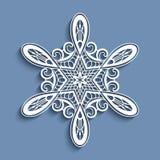 Copo de nieve de papel del cordón del recorte, ornamento del ganchillo Fotografía de archivo libre de regalías