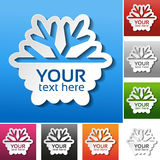 Copo de nieve de papel en el fondo rojo, azul, verde, rosado, negro, gris, anaranjado y blanco Etiqueta de la venta del invierno, Foto de archivo libre de regalías