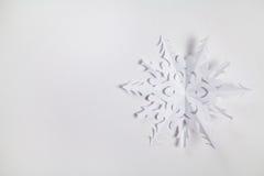 Copo de nieve de papel fino Fotos de archivo