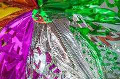 Copo de nieve multicolor grande hecho de hoja brillante Imágenes de archivo libres de regalías