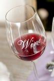 Copo de vinho com vinho tinto Fotos de Stock