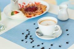 Copo do café do latte Fotos de Stock Royalty Free