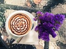 Copo do café do mocha em New York City da baixa Imagens de Stock Royalty Free