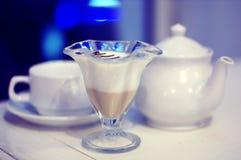Copo do chá e do bolo Imagem de Stock