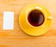 Copo do chá e do cartão Imagem de Stock Royalty Free