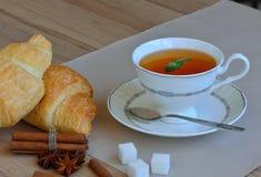 Copo do chá para o café da manhã Fotos de Stock Royalty Free