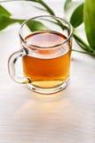 Copo do chá preto foto de stock