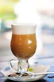 Copo do latte Fotografia de Stock