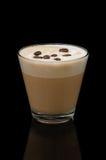 Copo do latte de Coffe no fundo preto Imagem de Stock Royalty Free