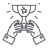 Copo do vencedor, troféu nas mãos, linha ícone do vetor da vitória do campeão, sinal, ilustração no fundo, cursos editáveis ilustração royalty free