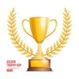 Copo dourado do troféu com Laurel Wreath Projeto da concessão Conceito do vencedor Isolado no fundo branco Ilustração do vetor ilustração royalty free