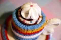 Copo feito malha Handmade do chá Fotos de Stock