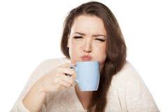 Copo mau do chá fotos de stock