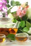 Copos de chá e potenciômetro do chá Fotografia de Stock