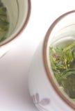 Copos de chá verde japoneses fotos de stock