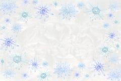 Copos de nieve cristalinos en fondo helado Fotografía de archivo libre de regalías