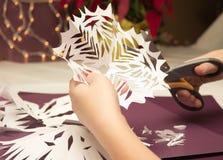 Copos de nieve de papel Fotos de archivo libres de regalías