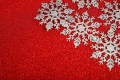 Copos de nieve decorativos de plata Fotos de archivo libres de regalías