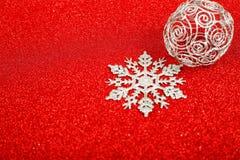 Copos de nieve decorativos de plata Fotografía de archivo