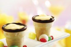 Copos do waffle com creme Imagem de Stock
