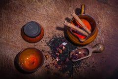 Copos e frasco chineses para o chá Foto de Stock